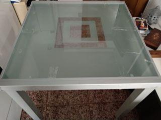 Mesa de cristal cuadrada para comedor