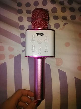 Micrófono altavoz la voz