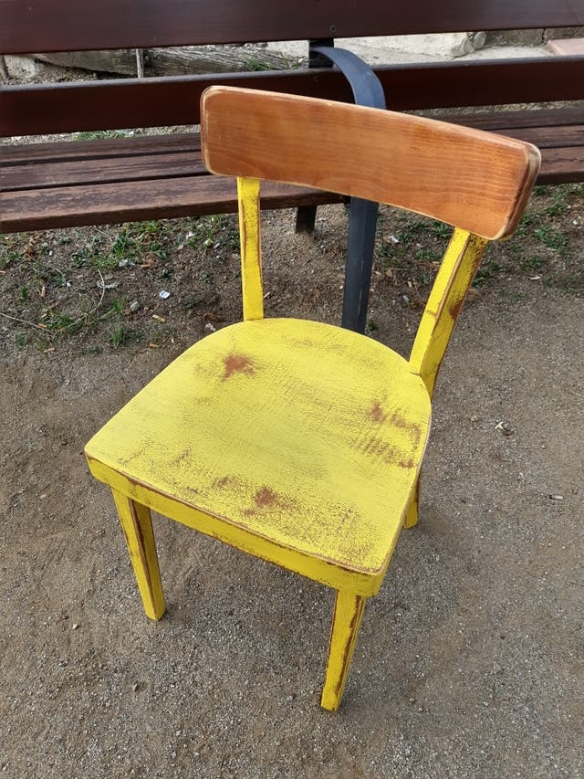 silla vintage en decape tipo thonet