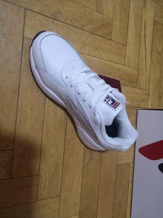 Zapatillas Fila talla 38 sin usar