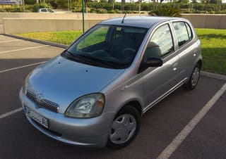 Toyota Yaris 1.0 VVT-i Sol. Impecable.-