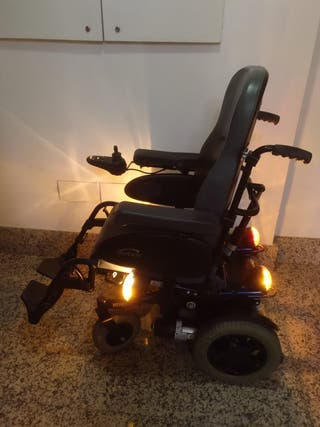 Wheelchair (silla de ruedas)