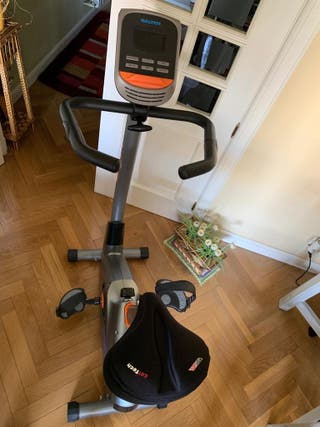 Bicicleta estatica SALTER PT1515 casi nueva