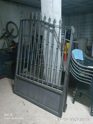 puerta de rejas forja