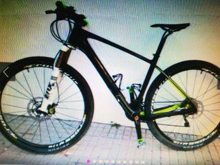 bicicleta de montaña toda de carbono