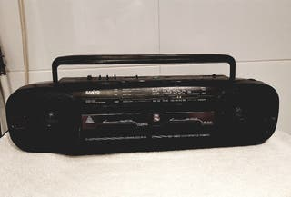 RADIO-CASSETTE SANYO VINTAGE