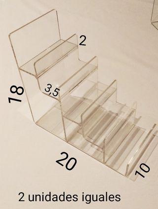 2 Escaleras expositoras