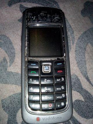 Móvil Nokia 6021,le falta batería