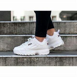 Zapatillas Fila blancas nuevas 36