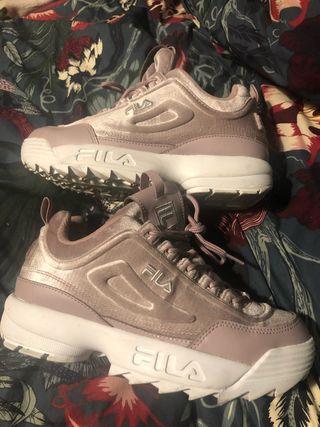 Zapatillas fila rosa empolvado impecables
