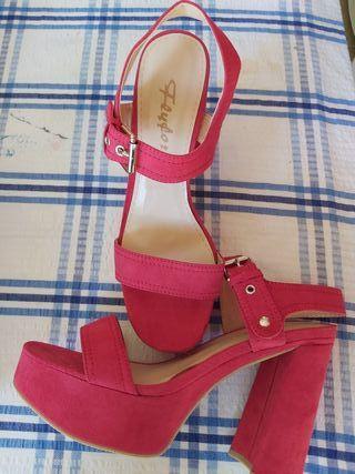 Zapatos de tacón y plataforma