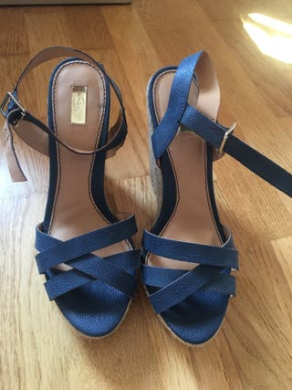 Sandalis azules stradivarius. T.38. Nuevas