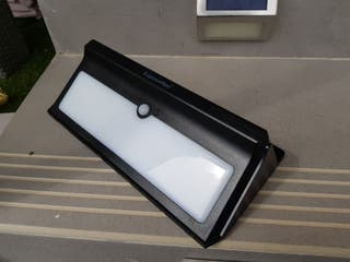 Lampara solar exterior 100 led, muy potente