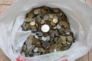 Monedas al peso. Monedas españolas por kilos