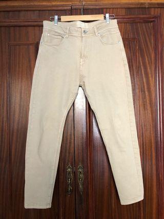 Pantalones vaqueros beige. Talla 38