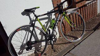 Bicicleta cannondale caad12