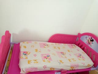 cama de Minnie para niñas hasta 30 kg.