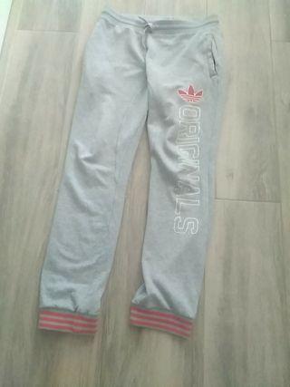 Pantalon ADIDAS chandal gris 25€