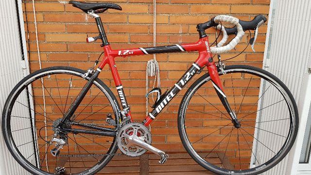 Alquilo bicicleta para triatlon