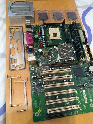 3 Procesadores + Placa Base + RAM
