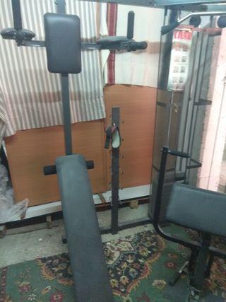 Maquina multiestacion de musculacion