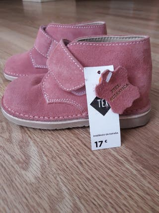Zapatos pisacacas niña T26