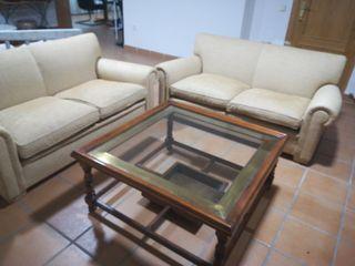 2 sofás de 2/3 plazas. 150 x 80 x 84 cm