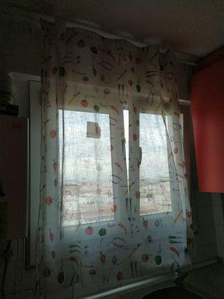 cortina y barra cocina