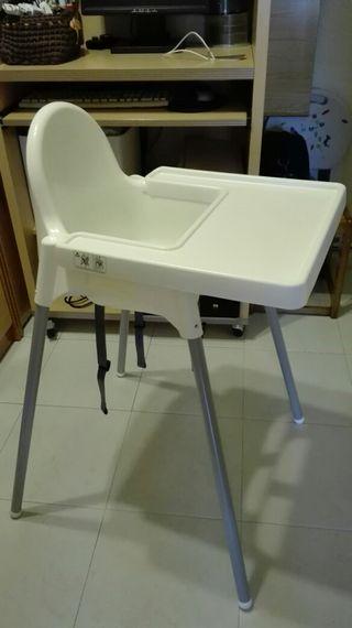 trona Ikea Antilop con bandeja de color blanco