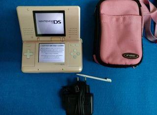 Consola Nintendo DS rosa + Funda