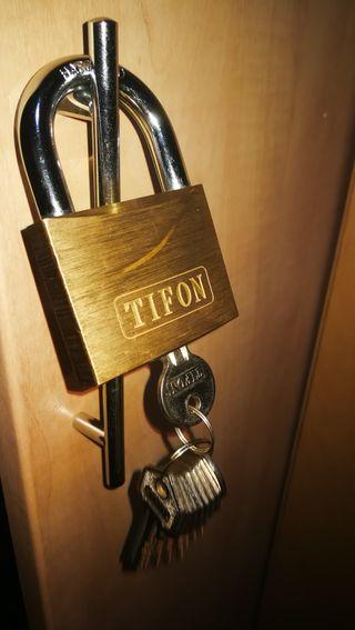 Candado Tifon 60 Con 10 llaves ideal para comunida