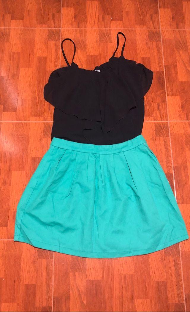 Conjunto falda y blusa volante
