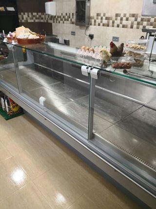 vendo maquinaria Carnicería nueva vitrina camara