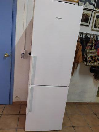frigorífico combi Siemens **** A ***