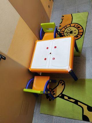 mesa niño para pintar y alfombras
