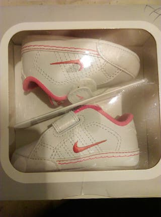 BABY'S SHOES (PINK)