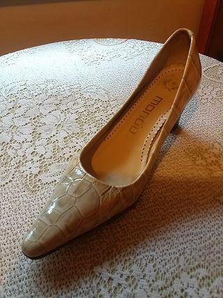 zapatos de tacon corrido bajitos Buscar con Google