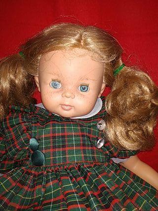 muñeca grande de la casa así