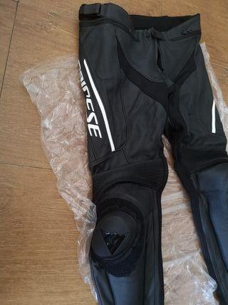 pantalon piel dainese delta 3 perforado talla 50