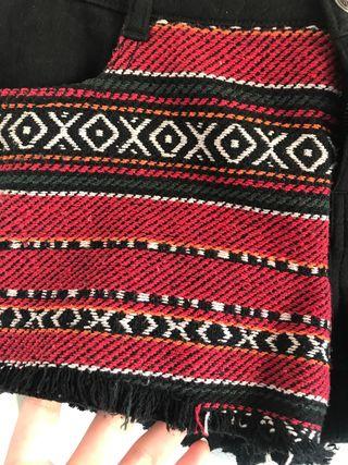Pantalón corto negro étnico