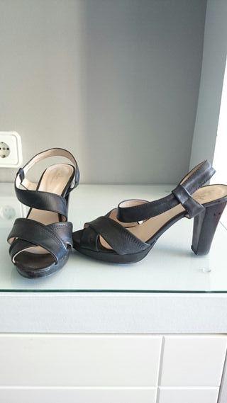 Sandalias de piel de Sarah Mawen