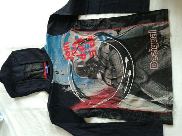 Desigual Camiseta con capucha StarWars. T. 11-12
