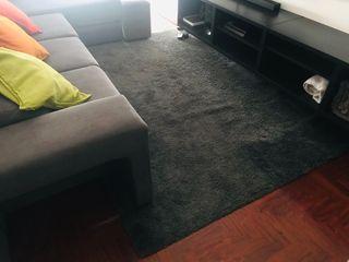 Vendo alfombra gris pelo largo muy poco uso