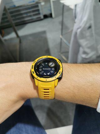 Garmin Instinct amarillo