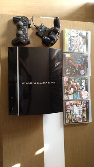 Sony Playstation 3 + Juegos + 2 mandos originales