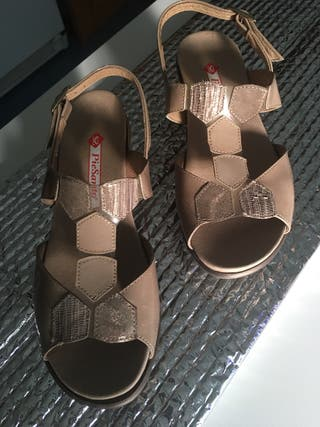 Sandalias súper cómodas T37