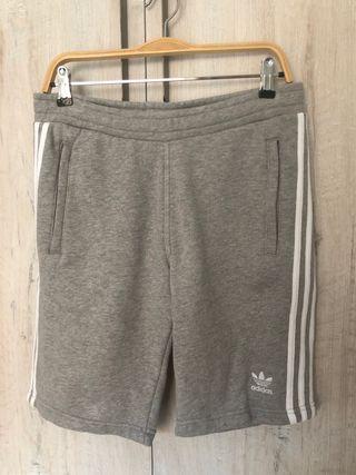 Pantalones cortos chandal Adidas color gris