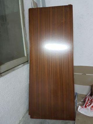 puerta blindada maciza gruesa
