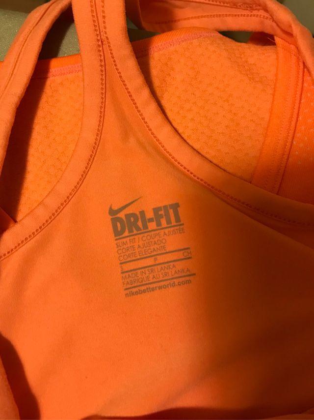 Camiseta Nike tirantes mujer s y Xs naranja