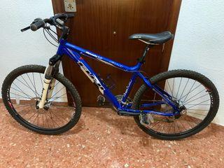 Bicicleta de montaña Fuji Nevada